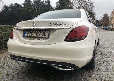 Polep_luxusnich_aut